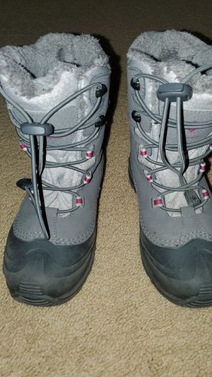 Columbia Kids - Girls or Boys - Waterproof Snow Boots - Size 3 child for Sale in Huntington Beach, CA