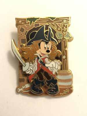 Disney Trading Pin - Pirates of the Caribbean - Minnie Mouse as Elizabeth Swann 3D Pin Collectable for Sale in Anaheim, CA