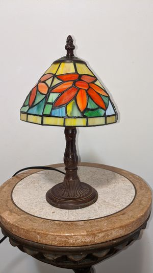 Small table lamp with stained glass shade for Sale in Kenneth City, FL