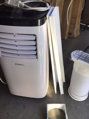 Rosewell 8k BTU AC. Excellent condition window assembly excellent condition open box unused for Sale in Las Vegas, NV