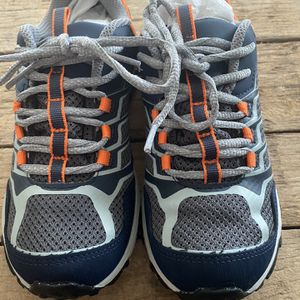 Merrell Hiking Boot- Moab FST Low Waterproof- Youth / Big Kid Size 3 for Sale in Fort Lauderdale, FL