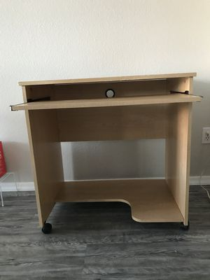 Computer table for Sale in Fort McDowell, AZ