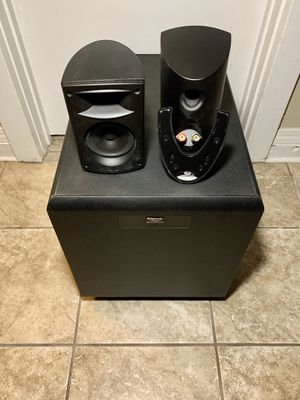 Klipsch Wall Speakers and Subwoofer for Sale in Fresno, CA