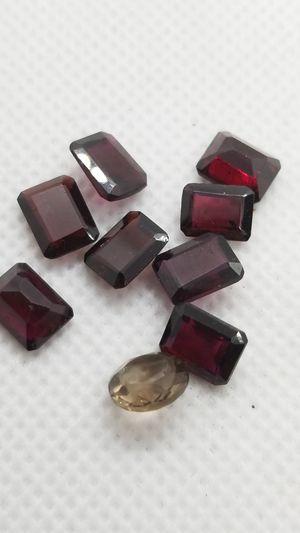 8 Natural garnets! 1 Champaign quartz! 9 pieces! 18 cts! for Sale in Des Plaines, IL