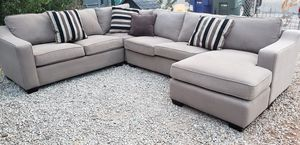 Broyhill sectional for Sale in Tucson, AZ