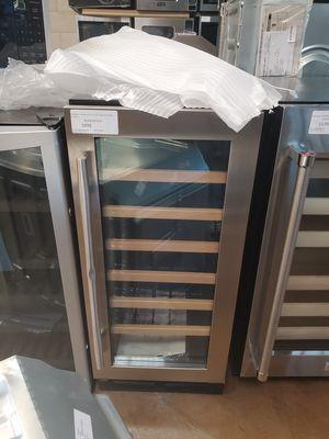Whirlpool Undercounter Wine Cooler for Sale in Alta Loma, CA