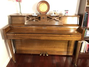 Free Piano for Sale in Sudley Springs, VA