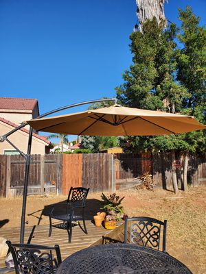 Large Umbrella & Stand for Sale in Moreno Valley, CA