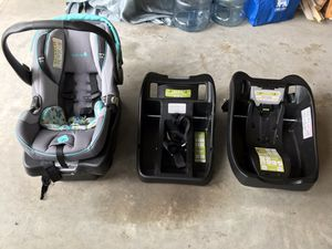 Infant Car seat and 3 bases for Sale in Bogue, NC