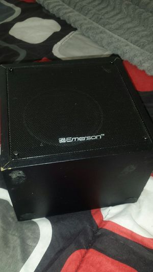 Bluetooth Speaker w Charger for Sale in Suffolk, VA