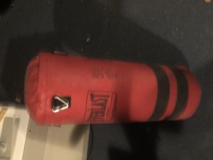 Everlast kickboxing bag great condition for Sale in New Haven, CT