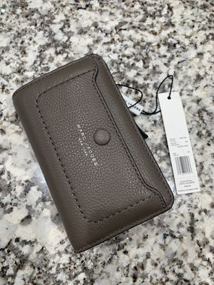 Brand New Marc Jacobs wallet for Sale in Perris, CA