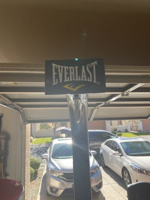 Everlast Punching bag and frame for Sale in Mesa, AZ
