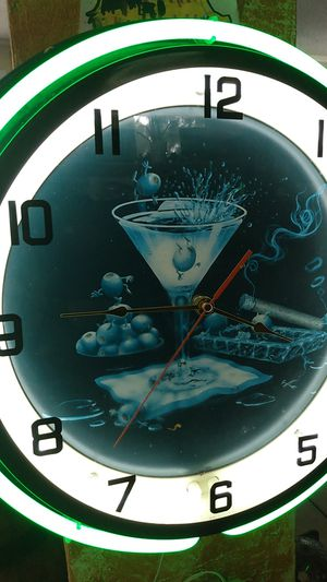 "Super nice clock 18"" for Sale in Fort Lauderdale, FL"