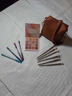 1 set makeup new. for Sale in Long Beach, CA