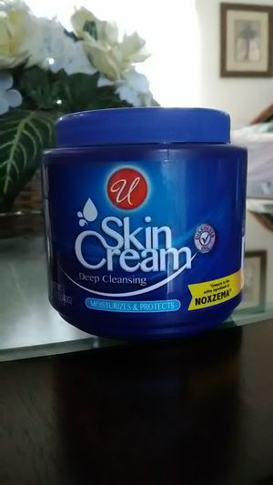 Skin Cream Deep Cleaning Moisturizer & Protects for Sale in Frostproof, FL
