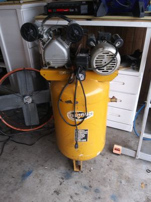 Magnum 35 gallon 5 hp Air Compressor for Sale in Clearwater, FL