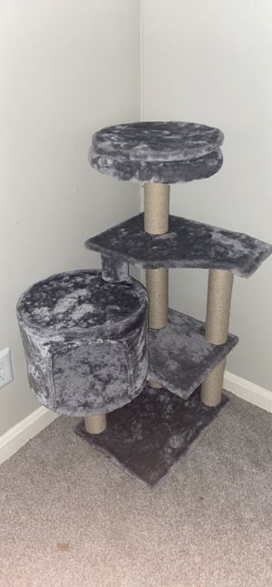 Cat tree for Sale in Louisville, KY