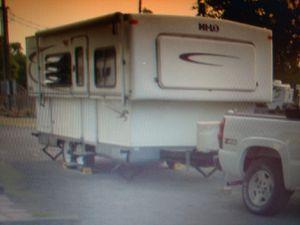 2005 Hilo camper trailer for Sale in Gilmer, TX