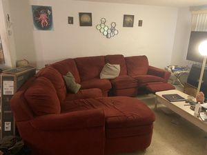 4 pc sectional couch for Sale in Tarpon Springs, FL