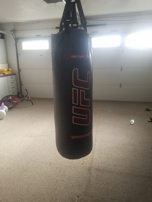 100lb punching bag for Sale in Antioch, CA