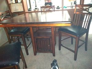 Mahogany dark brown kitchen table with chairs for Sale in Columbia, SC