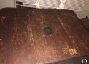English Oak leaf table -early 1900s (make an offer) for Sale in Houston, TX