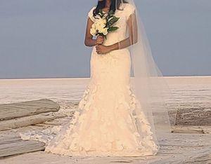 HARDLY WORN- Wedding Dress for Sale in Salt Lake City, UT
