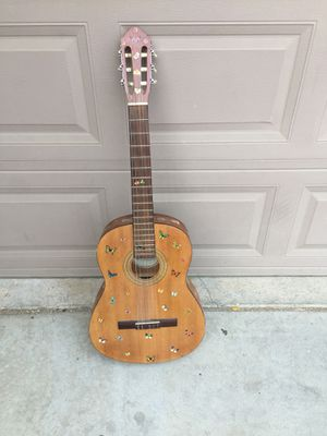 Acoustic guitar for Sale in Fresno, CA