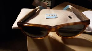 Tom's beachmasters sunglasses for Sale in St. Louis, MO