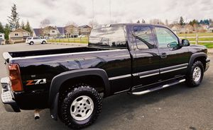 NICE AND CLEAN CHEVY SILVERADO for Sale in St. Petersburg, FL