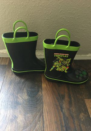 Ninja turtle rain boots kids size 9/10 for Sale in NEW PRT RCHY, FL