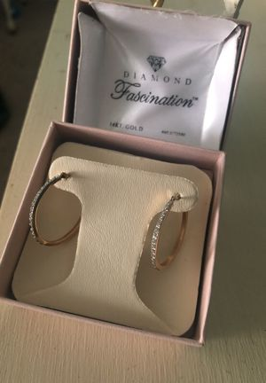 14KT Gold Diamond Earrings $55.00 for Sale in Hayes, VA