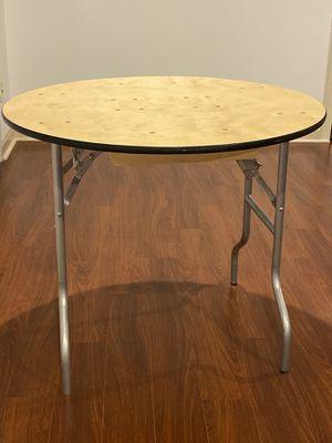 Round folding table for Sale in Warren, NJ