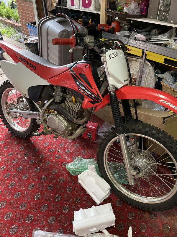 Honda 230 crf for sale like new fast n beautiful CASH READY NO BS