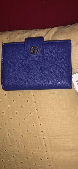 Deep blue giani Bernini small wallet new for Sale in Kapolei, HI