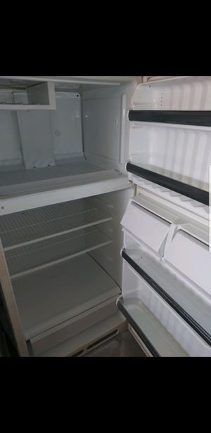 Refrigerator ( like New ) for Sale in Columbia, SC