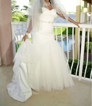 Wedding gown with Veil for Sale in Fort Lauderdale, FL