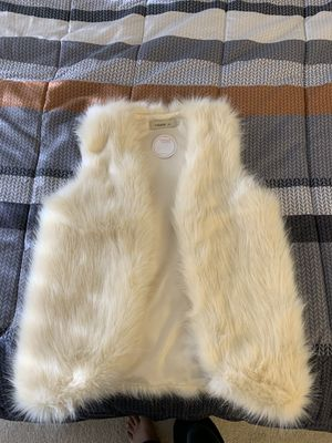 Ivory Fur Vest - brand new for Sale in Fairfax, VA
