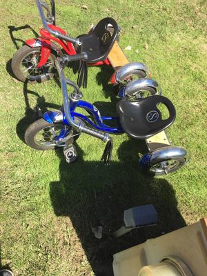 Bicycle red and blue for Sale in Sioux Falls, SD