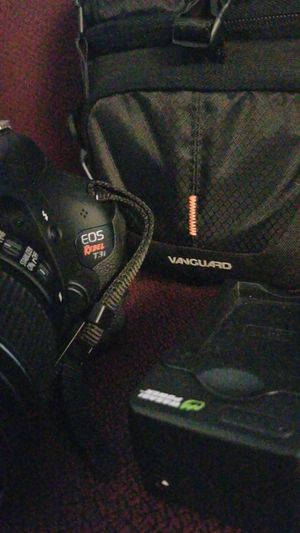 Canon T3i with 18-55 kit lens battery charger and camera bag. IF ITS POSTED ITS AVAILABLE. SERIOUS INQUIRIES ONLY. for Sale in Malden, MA