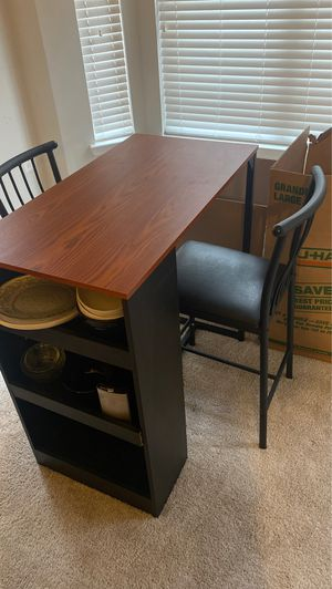 Little kitchen table for Sale in Hanover, MD