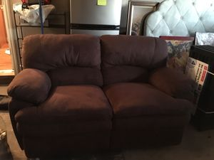 Reclining loveseat Like New. Hardly used for Sale in Little Falls, NJ