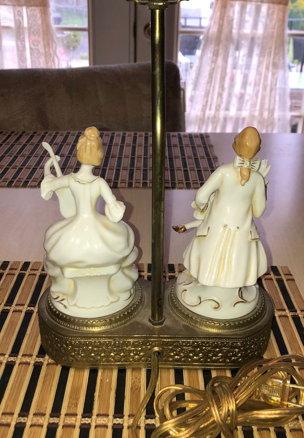 Antique Double Porcelain Figural Colonial Table Lamp On a Brass Brass In Vg Condition w/ No Damage 1920's Era