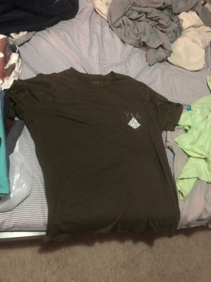 Rvca T-shirt brown n blue for Sale in San Fernando, CA