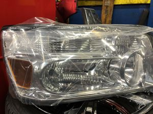 Infinity QX series Right Headlight Assembly for Sale in Kirkland, WA