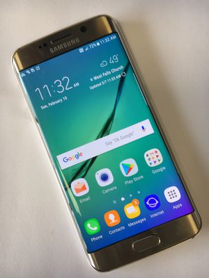Samsung galaxy S6 edge excellent condition factory unlocked comes with charger for Sale in Manassas, VA