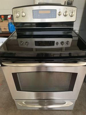 Fridge and stove and dishwasher for Sale in Tampa, FL