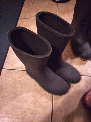 Rain boots size 5y /botas de lluvia _ size 5y niños for Sale in El Monte, CA