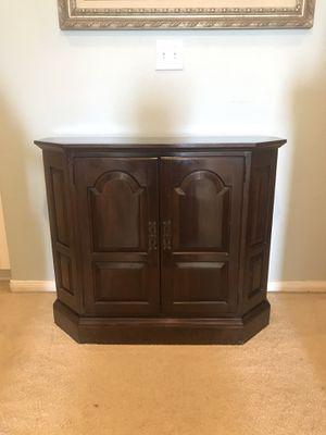 Rare Ethan Allen Console Cabinet for Sale in Chula Vista, CA